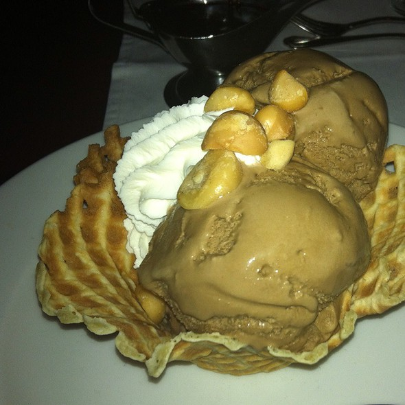 Macadamia Nut Sundae @ Bern's Steak House
