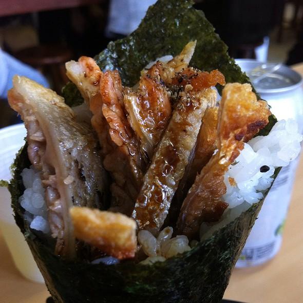 Temaki Salmon Skin @ Peixaria Uo Katsu Alimentos Ltda