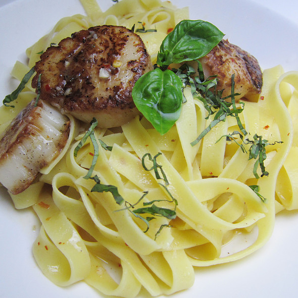 Seared Scallop Aglio Olio Spaghetti with Garlic Confit and Chilli @ UNION