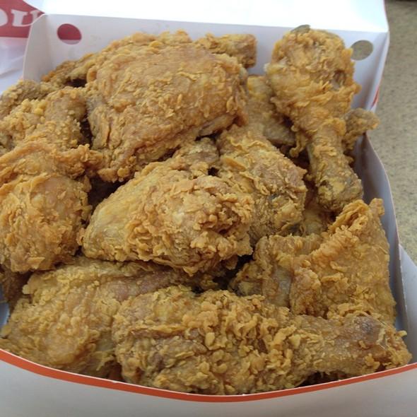 fried chicken @ Popeyes Chicken