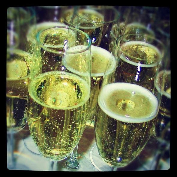 Taittinger Comtes De Champagne Blanc De Blancs - La Colombe d'Or, Houston, TX