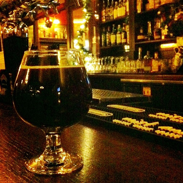 Wee Heavy - Mad River Brewing @ de Vere's Irish Pub