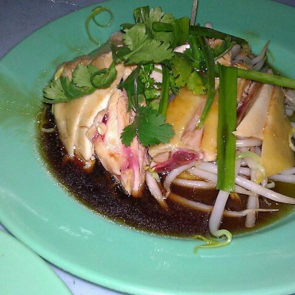 Ipoh Bean Sprouts Chicken Rice @ Restoran Ramai Food Centre 大马福建面茶餐室