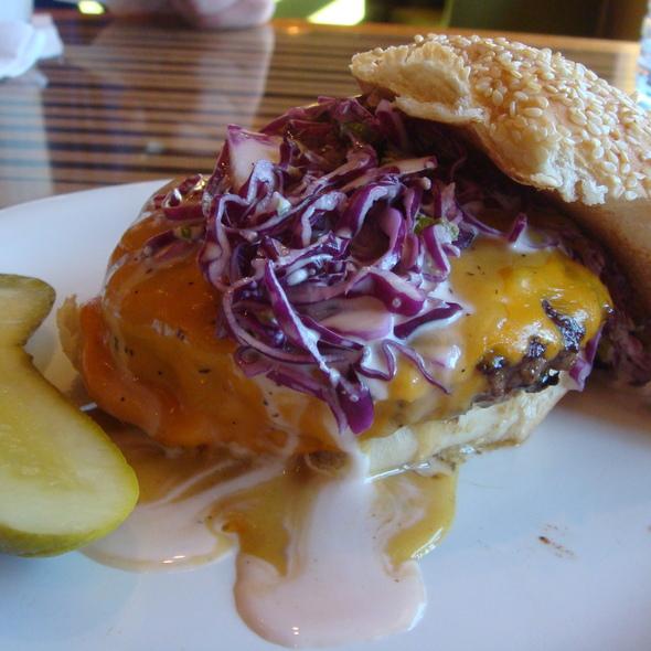 Hamburger @ Bobby's Burger Palace