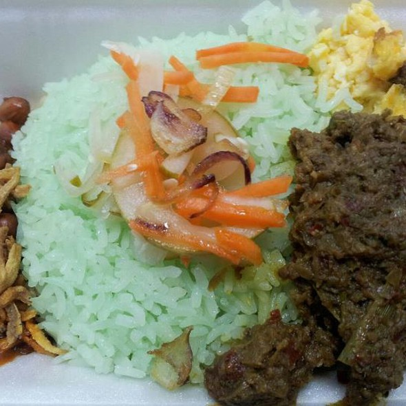 Nasi Lemak Daging Rendang @ Manjaro Restaurant