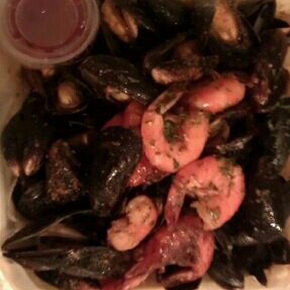 Steamed Mussels And Shrimp @ The Crab House