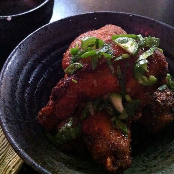 Chicken Wings @ Nombe