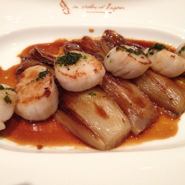 Scallops With Grilled Endive