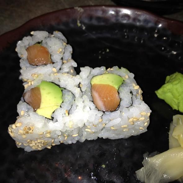 Salmon Avocado Roll @ Katana-ya