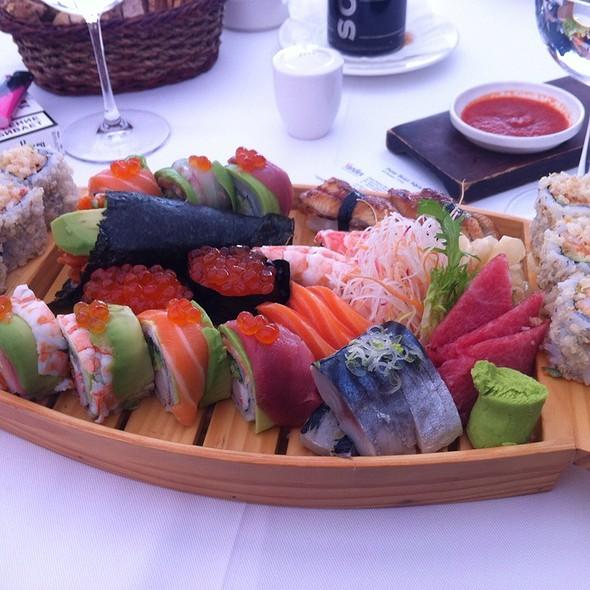 Sushi @ Sunset Grill&Bar