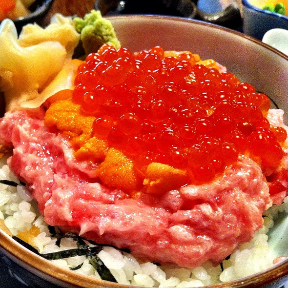 Minced Toro, Uni And Salmon Roe With Rice @ Hanagushi Yakitori Japanese Restaurant