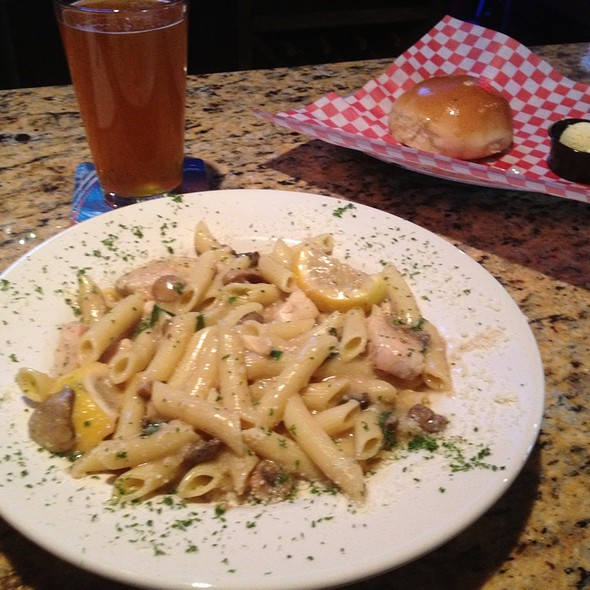 Chicken And Mushroom Penne @ Jake's italian bistro and brew house