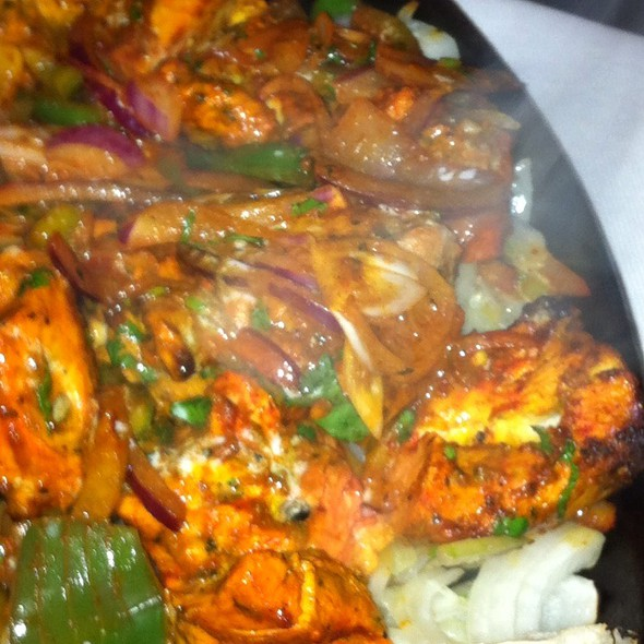 Murg Tikka  @ India Poort Tandoori Indian Restaurant