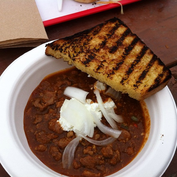 Texas Chili With Cottage Cheese And Texas Toast