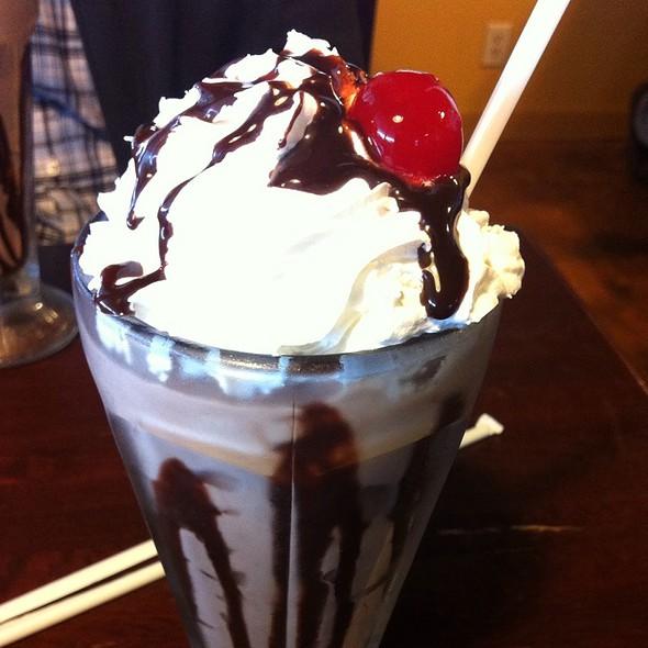 Chocolate Milkshake @ Bun 'n' Barrel