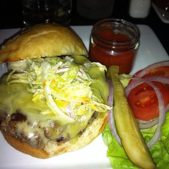 Smoked Duck Burger @ Baileys Range