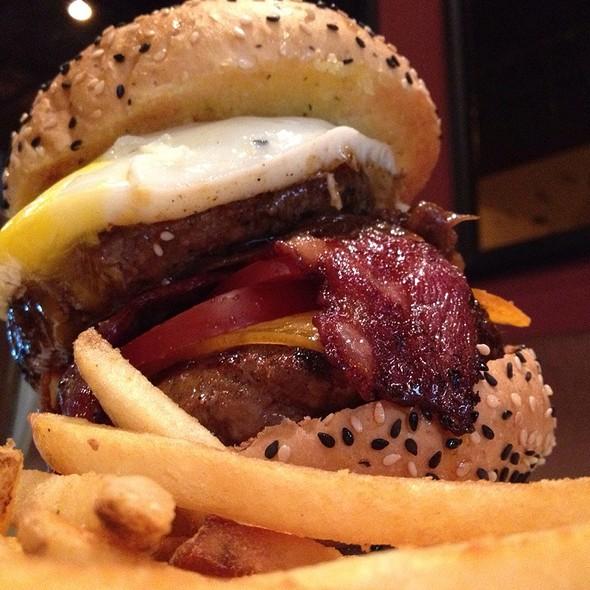 Bistro Belt Busting Burger @ Bistro Burger