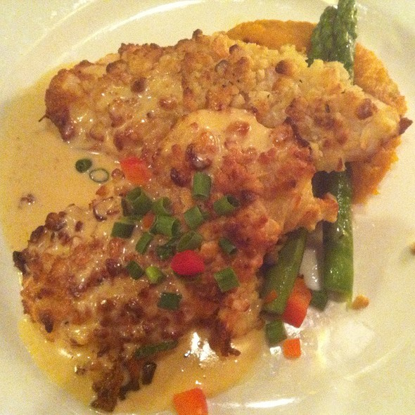 MACADAMIA  NUT CRUSTED CHICKEN - 717 South, Tampa, FL