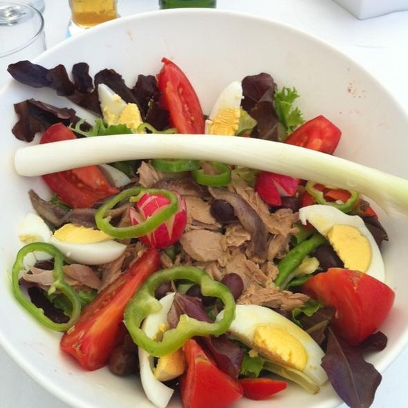 Niciose Salad @ Paloma Beach
