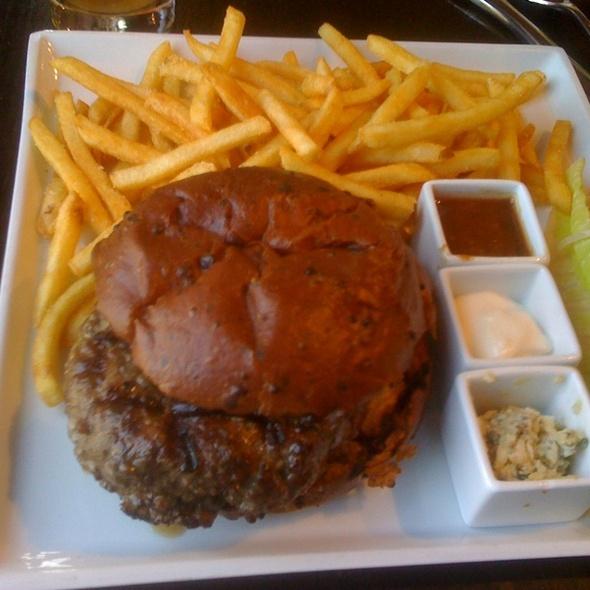 Burger @ Orson Restaurant Bar + Lounge