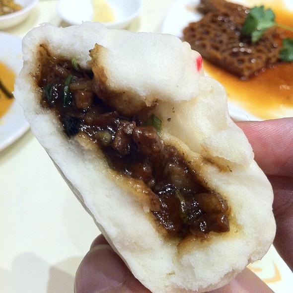 BBQ Pork Bun (char siu bao) @ King's Dumpling