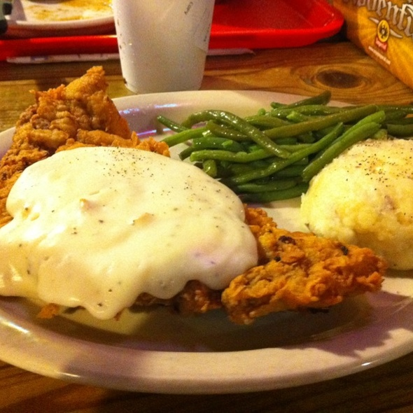Chicken Fried Steak and Green Beans @ Live Oak Grill