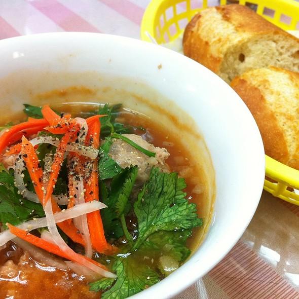 Banh Mi Xiu Mai