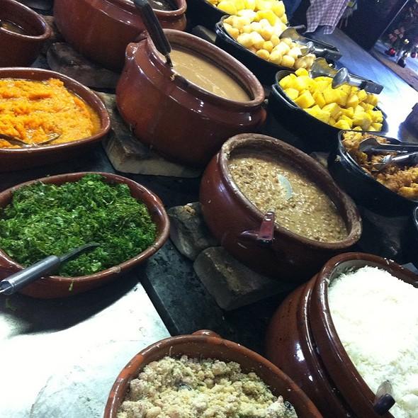 Comida Mineira @ Restaurante Fazenda Da Comadre