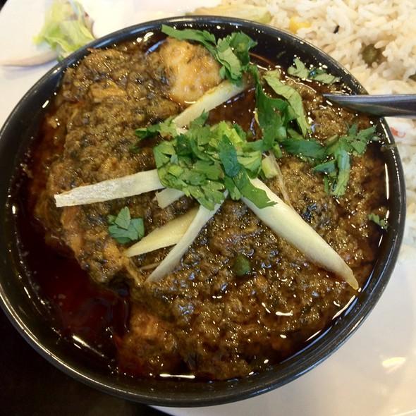 Punjabi Saag Chicken @ Punjabi Masala