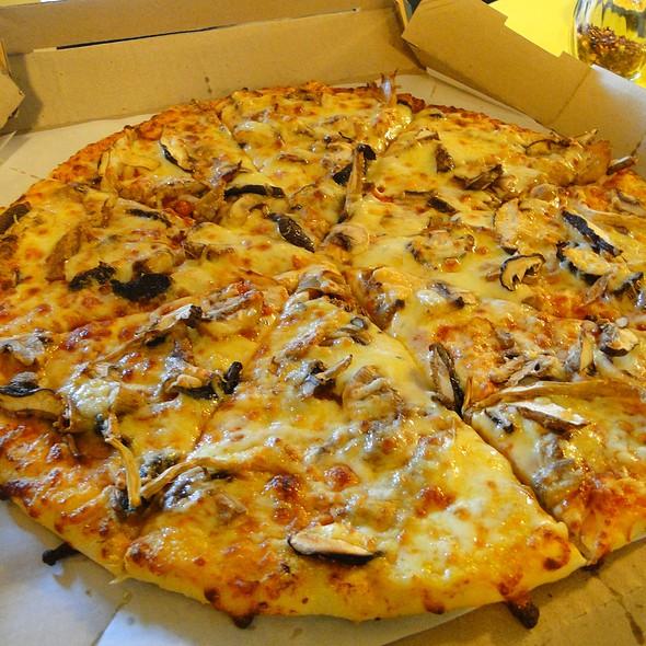 Tribeca Mushroom Pizza