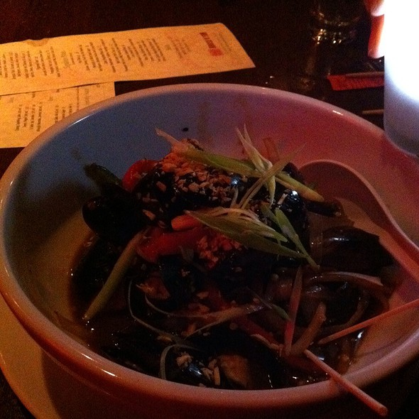 Mussels In Black Bean Sauce - Suzy Wong's House of Yum, Nashville, TN