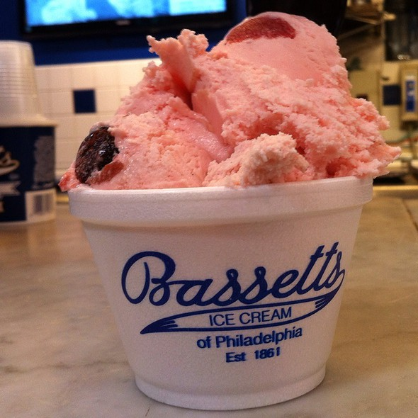 Strawberry And Cherry Vanilla Ice Cream @ Bassett's Ice Cream