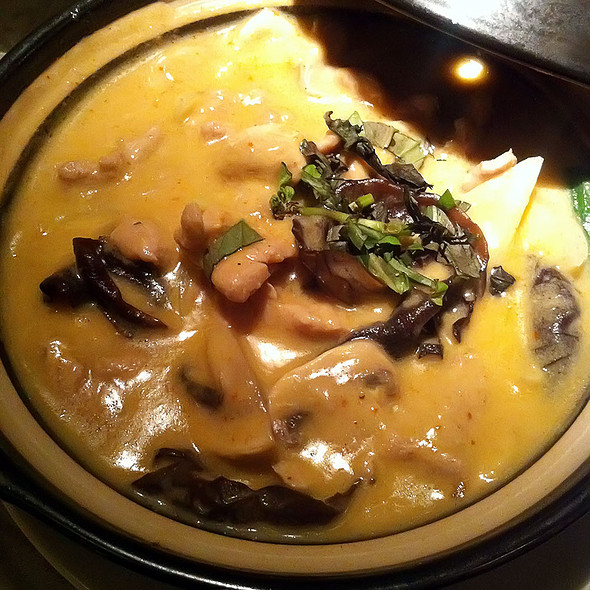 Red curry beef @ Saigon Cafe