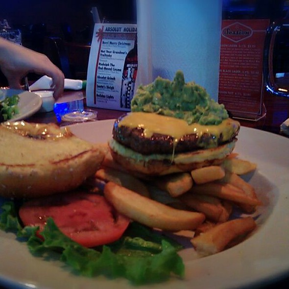 Guacamole Burger @ Three Dollar Cafe