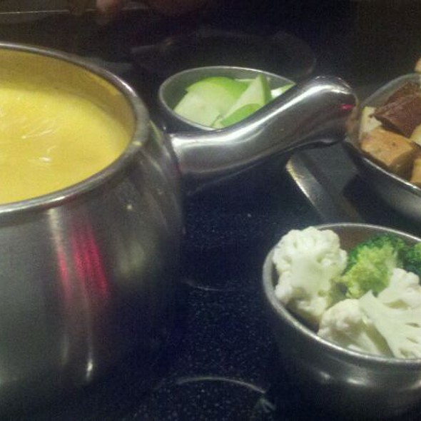 Boston Lager Cheddar Fondue @ The Melting Pot