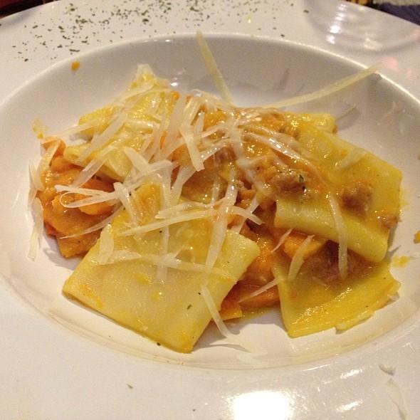 Paccheri Con Salsiccia Zucca E Pecorino @ Hostaria Vite Rossa