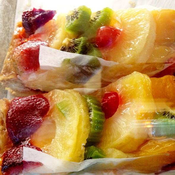 Fruit Tart @ Metro 29 Diner