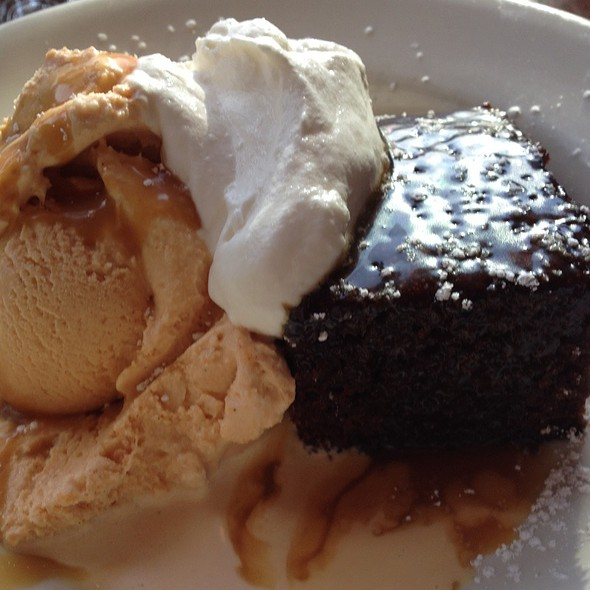 Almond & Ginger Cake With Clotted Cream Ice Cream @ Chow
