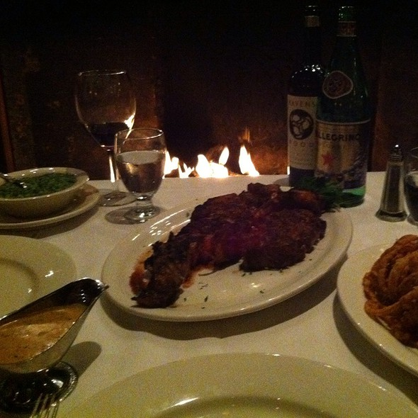 porterhouse steak - Frankie & Johnnie's Steakhouse - Manhattan, New York, NY