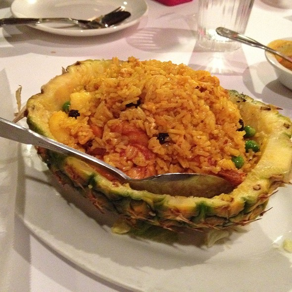 Pineapple Fried Rice @ Banana Leaf Restaurant