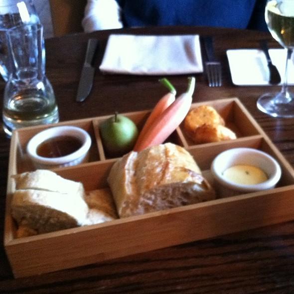 Bread Plate - The Marsh Tavern @ Equinox, Manchester Village, VT