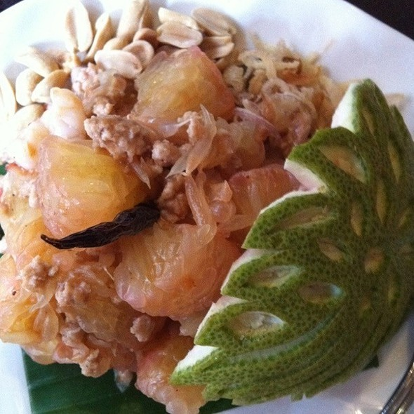 Pomelo Salad With Shrimp @ Phukets Thai