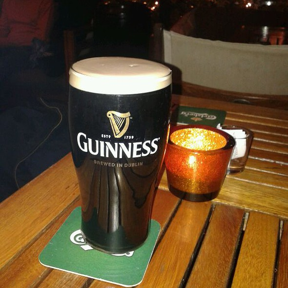 guinness beer @ Molly Malone's