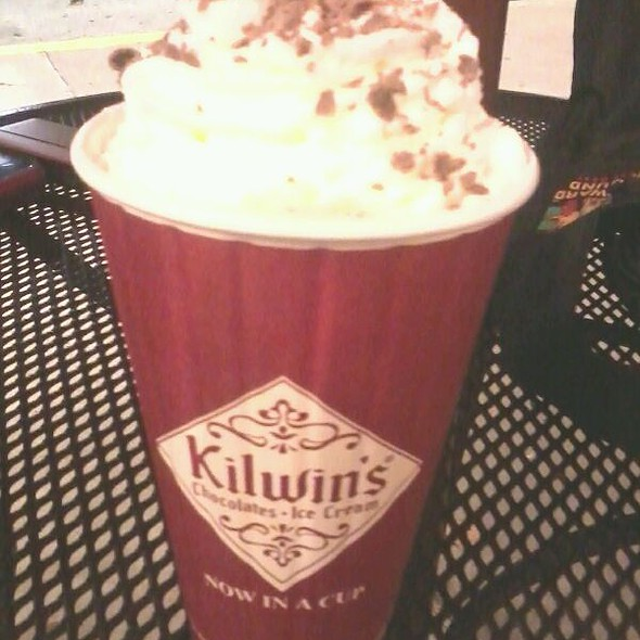 Hot Cocoa @ Kilwin's Chocolates & Ice Cream