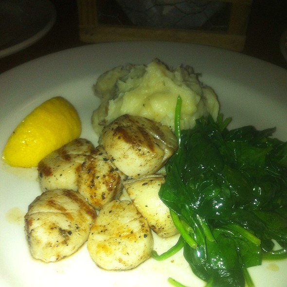 Seared Sea Scallops @ Zingerman's Roadhouse