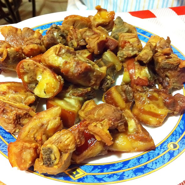 Fried suckling pig @ Venta San Isidro