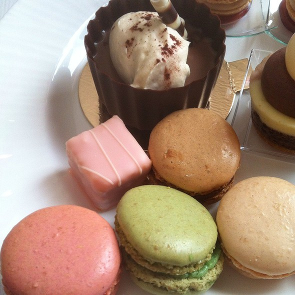 Pstachio, Raspberry, Vanilla, Coffee Macaroons, Chocolate Pot De Creme @ The Ritz-Carlton, St. Louis