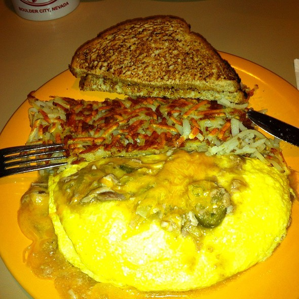 Pork Chili Verde Omelet @ Coffee Cup