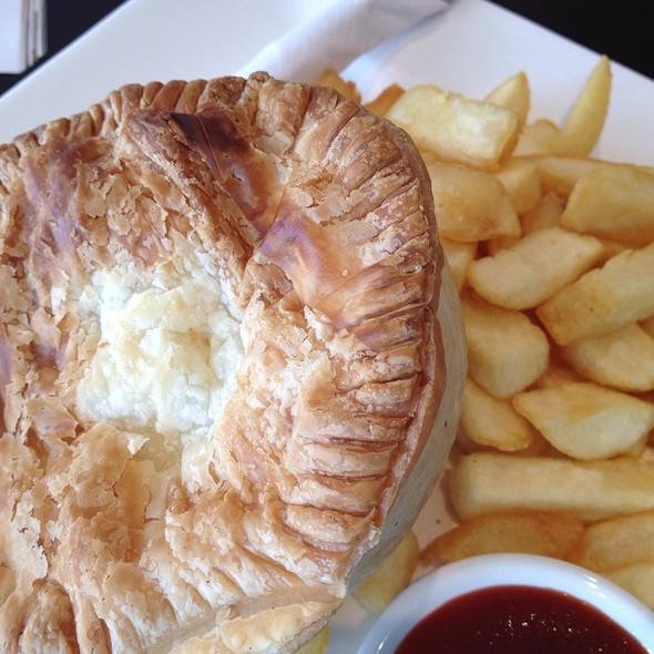 Chicken Pie @ Villa & Hut Kafe