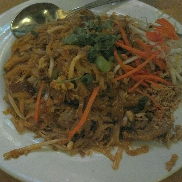 Pad Thai Noodle With Beef At Thai Patio Hollywood